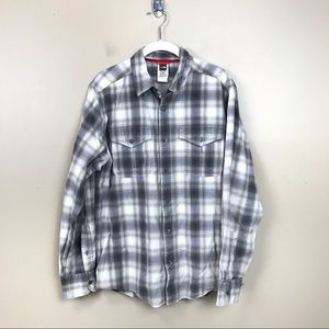 The north face plaid flannel button up shirt m